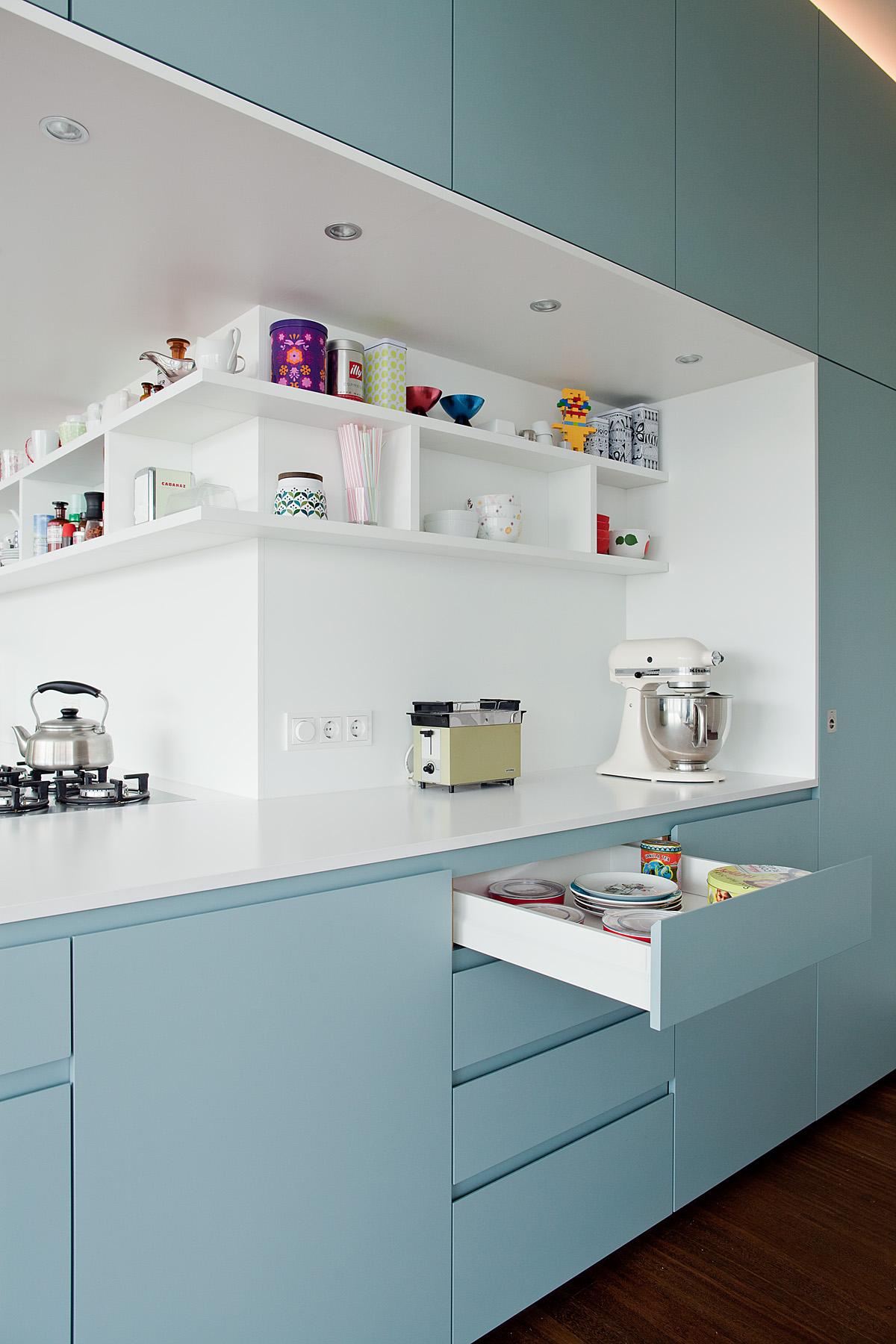 wohnung bernauer strasse k che einbauschr nke. Black Bedroom Furniture Sets. Home Design Ideas