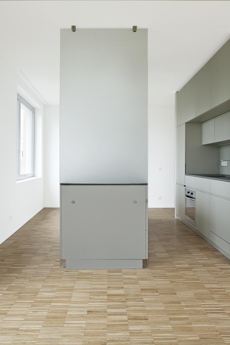 küche-pohlstr-glasfront.jpg