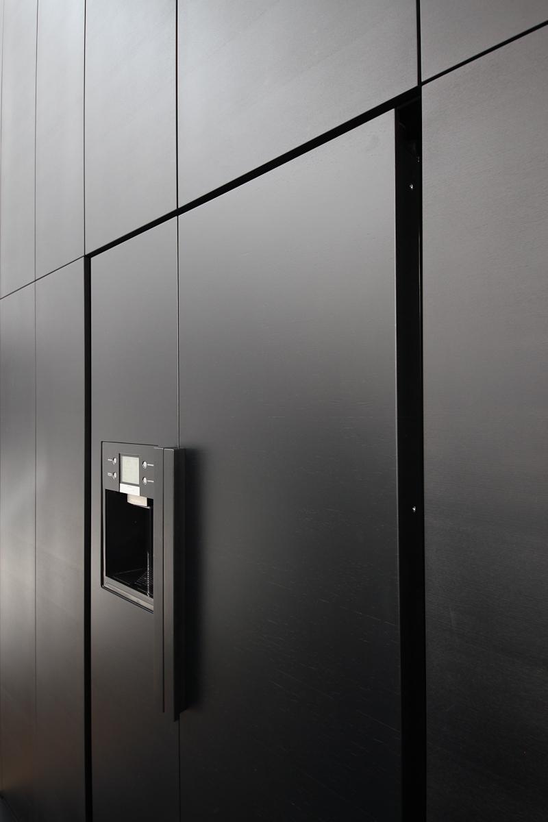 michalsky-küche-front-kühlschrank.jpg