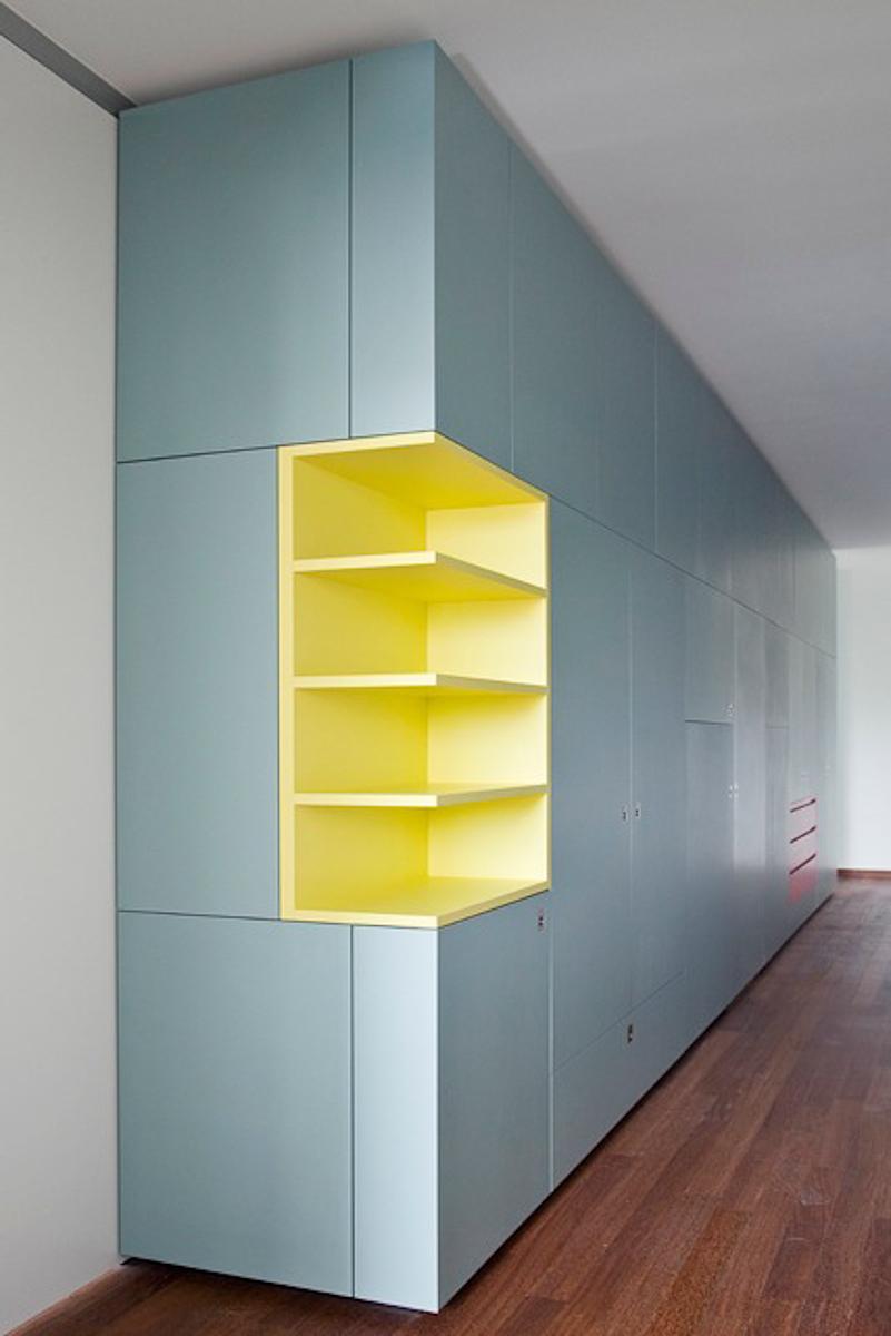 bernauerstr-flur-ausschnitt-gelb.jpg