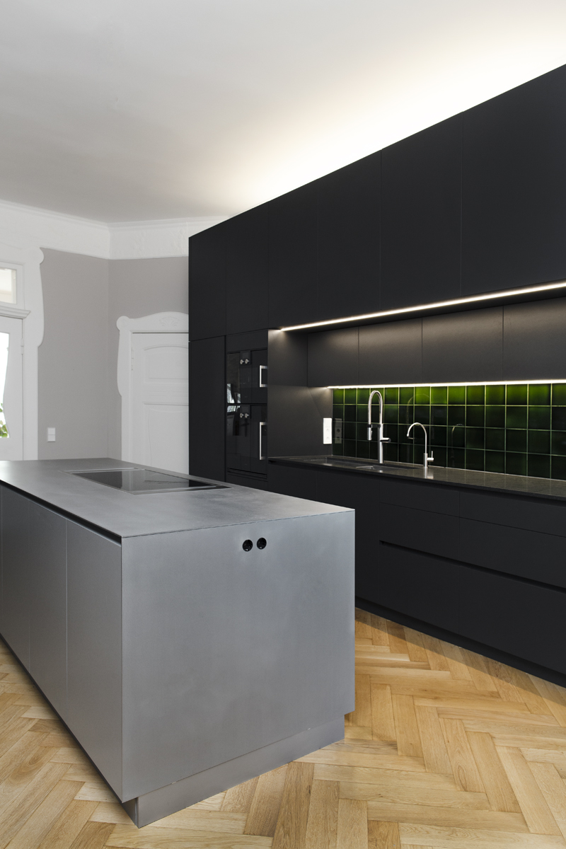 detmolder-str-küche-ansicht-beleuchtet.jpg